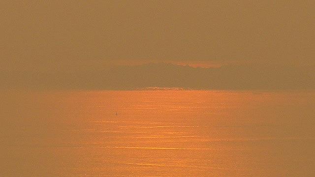 あそこに見えるのは四国なのかあの世なのか 小豆島 内海湾