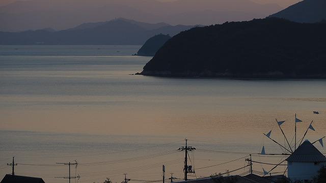 小豆島・内海湾の晩秋の日暮れ