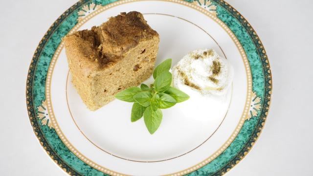 オリーブ茶のふわふわシフォンケーキ