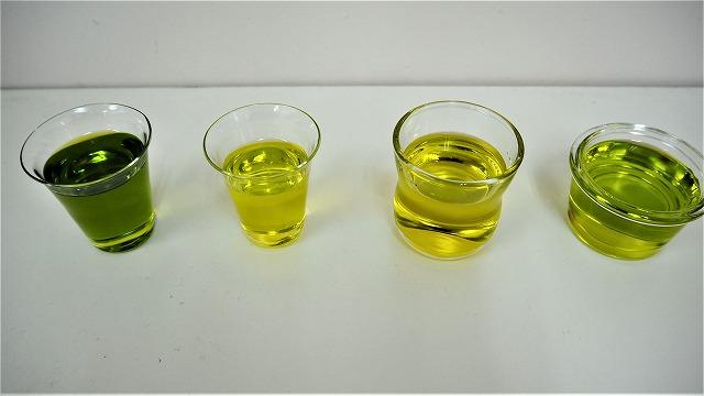 オリーブオイル左からレッチーノ種、フラントイオ種、アルベキーナ種、ネバディロ・ブランコ種