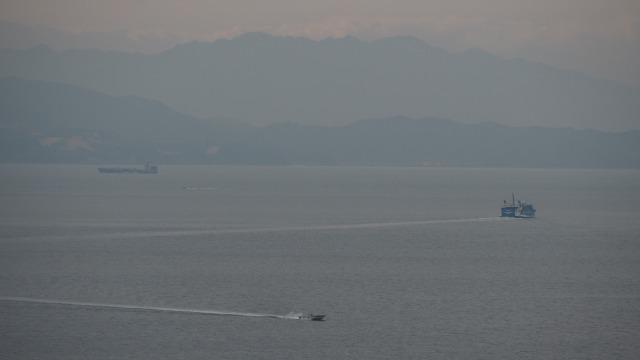 小豆島・内海湾・冬の雨が降り出す前